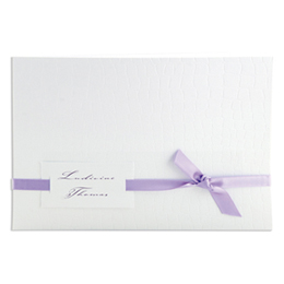 Faire-part Mariage Traditionnels - blanc style croco avec ruban mauve - 3