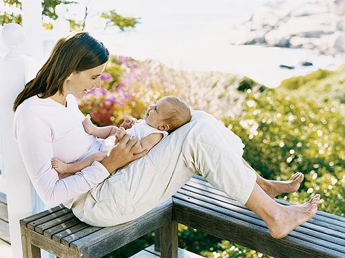 Retour de la maternit conseils pour tre une maman sereine - Couche maternite pour maman ...