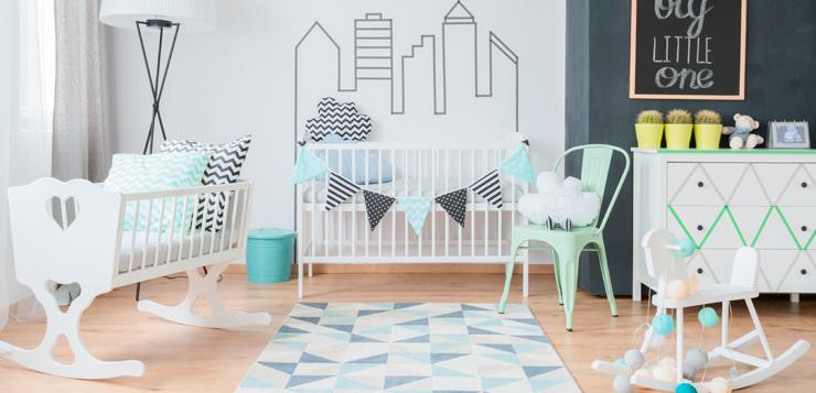 Les 8 indispensables pour la chambre de b b for Organiser chambre bebe
