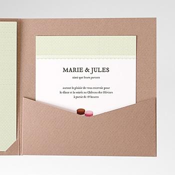 Création carte d'invitation amour de macaron