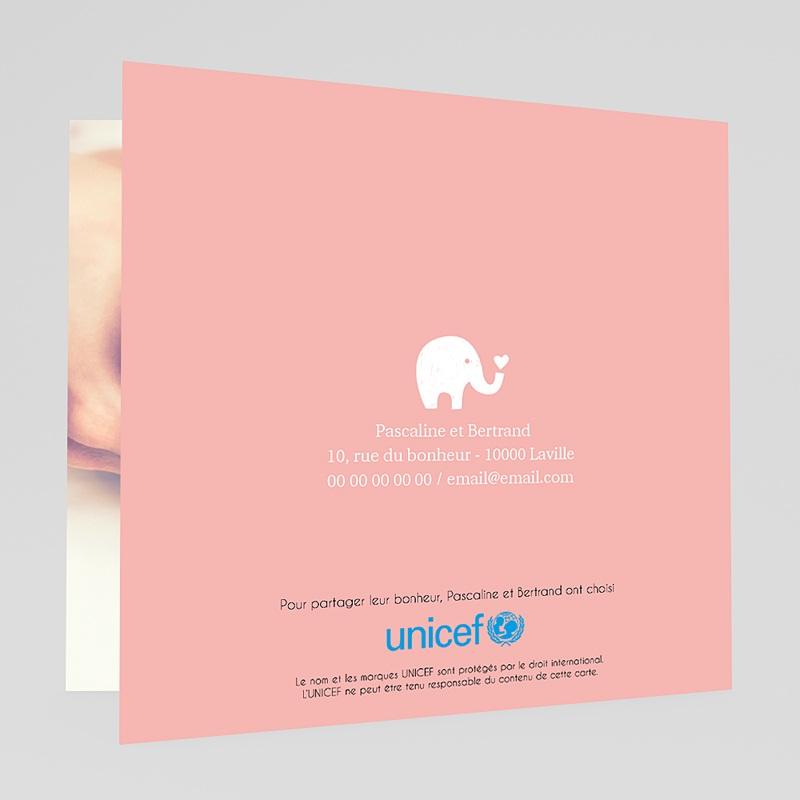 """Faire-Part Naissance Eléphant UNICEF Gris avec un coeur qui dit """"hello"""" gratuit"""