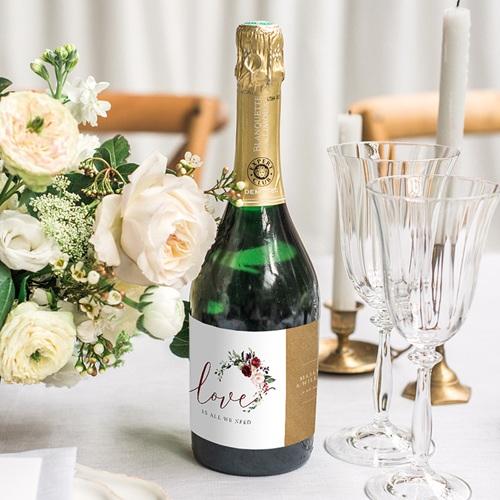 Etiquette Bouteille Mariage Love Floral gratuit