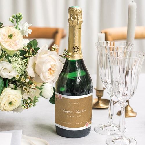 Etiquette Bouteille Mariage Floraison élégante gratuit