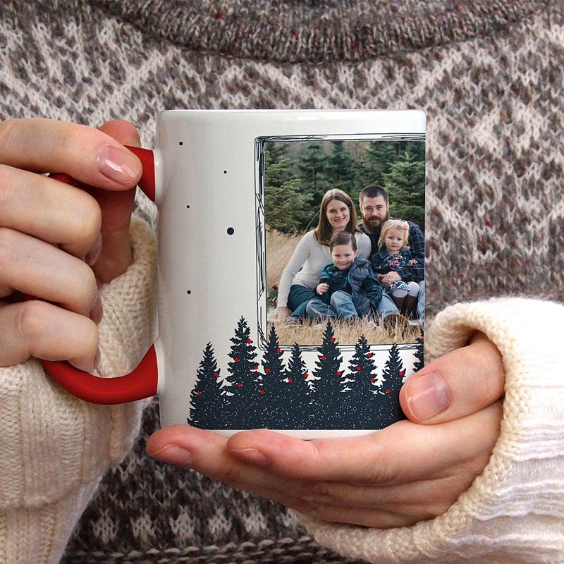 Mug Personnalisé Noël Forêt de Sapins gratuit
