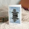 Carte Condoléances Zen, Galets empilés, 10,5 x 15 cm