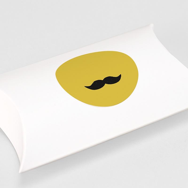 Etiquette Autocollante Naissance Moustache, Jaune moutarde gratuit
