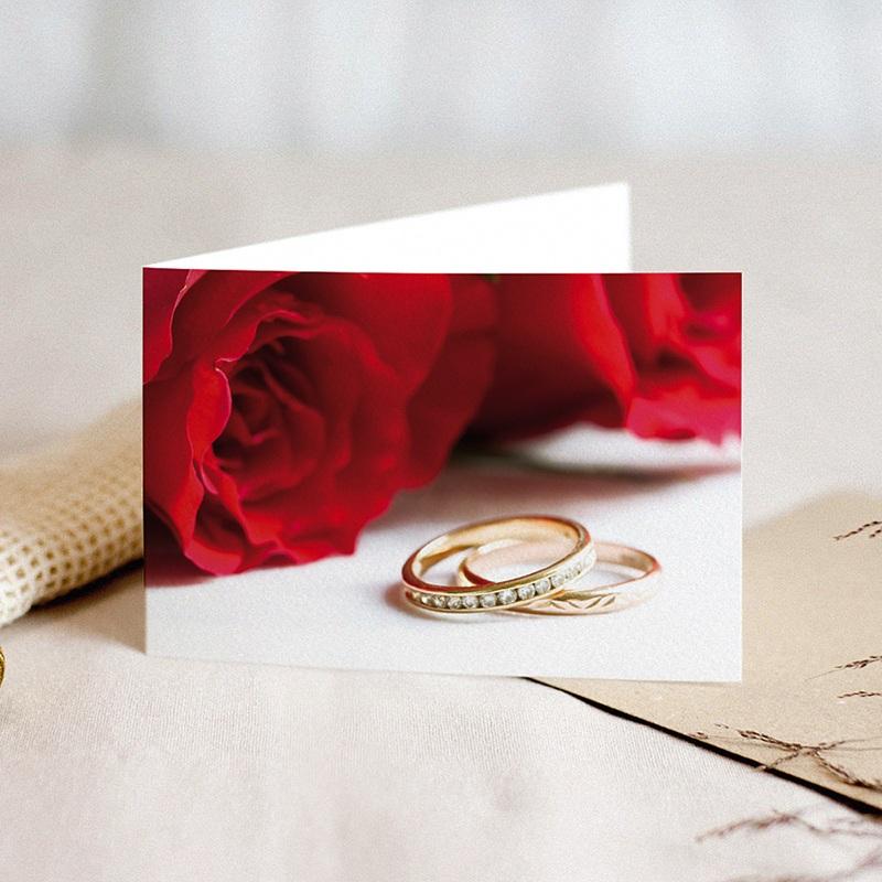 Faire-Part Mariage Classique Roses rouges et deux alliances