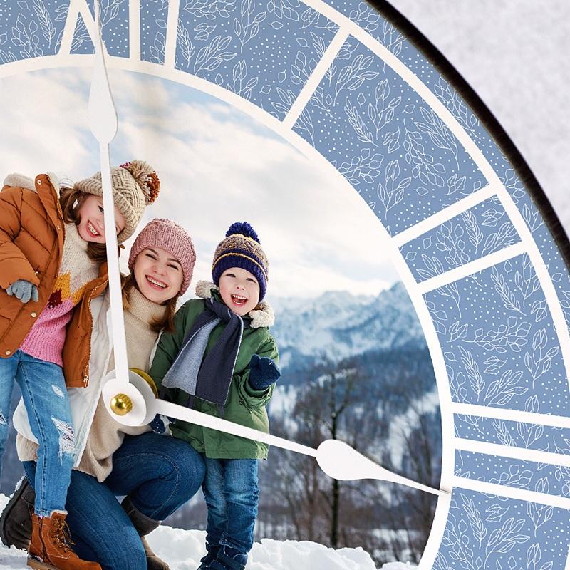 Horloge Personnalisée Photo Gelée Hivernale, Ø 28,9 cm, chiffres romains gratuit