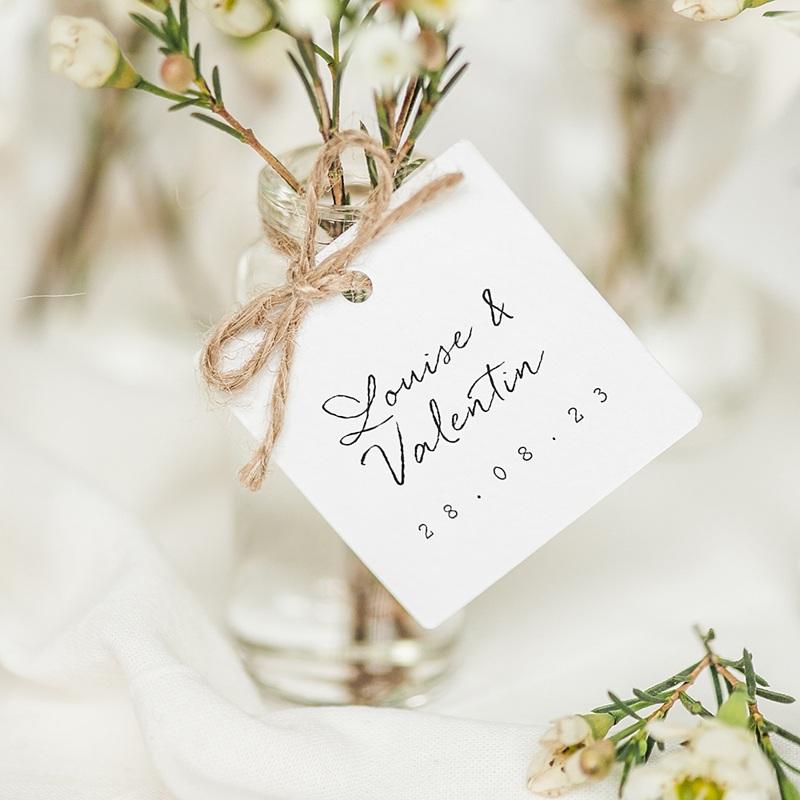 Etiquette Cadeau Mariage Bouquet Fleurs Rouges, 4 x 6 cm