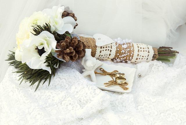 choisir des fleurs pour son mariage en fonction de la saison. Black Bedroom Furniture Sets. Home Design Ideas