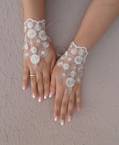 30be2c6ac681 Les accessoires à prévoir pour agrémenter la robe de la mariée