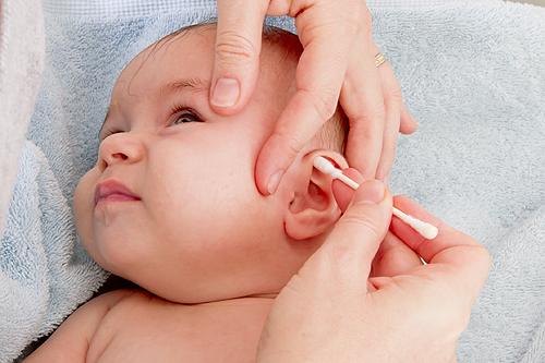 nettoyage oreilles bebe