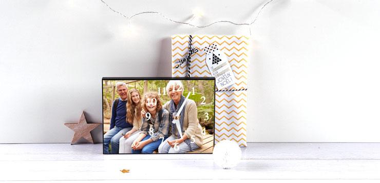 Horloge-personnalise-avec-la-photo-de-grand-parent-et-des-petits-enfants