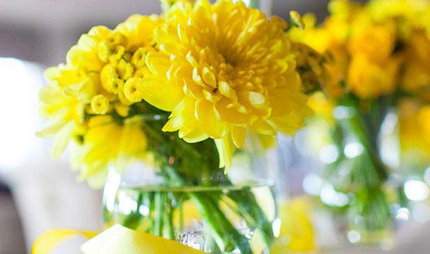 table de mariage jaune